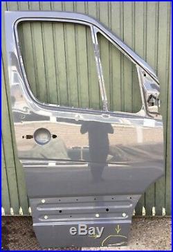 Mercedes Sprinter W906 VW Crafter 2e à partir de 2006 Porte avant Droite Devant